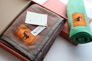 プレゼントにも人気、そのまま贈れるギフトボックス入り「コットン100%ハーフケット」